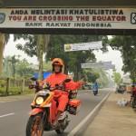Jirka Hruška - male sundy - Přejezd rovníku na Sumatře