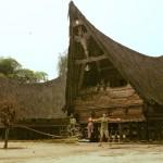 Jirka Hruška - male sundy - Tradiční batacká vesnice na ostrově Samosir na jezeře Toba