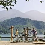 Taiwan,  Sun Moon Lake, bikers