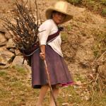 Libor Dusek - 10 Obyvatelka Cashapampy, vesnice pod Alpamayo