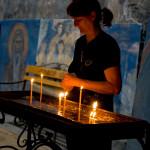 DASA FRANKOVA - malovaný kostel_svíčky